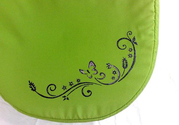 Motýľ nad lúkou,, – kočík zelený detail